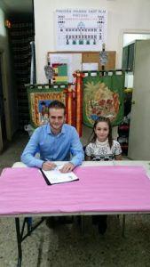 Poligono de San Blas Firma contrato infantil